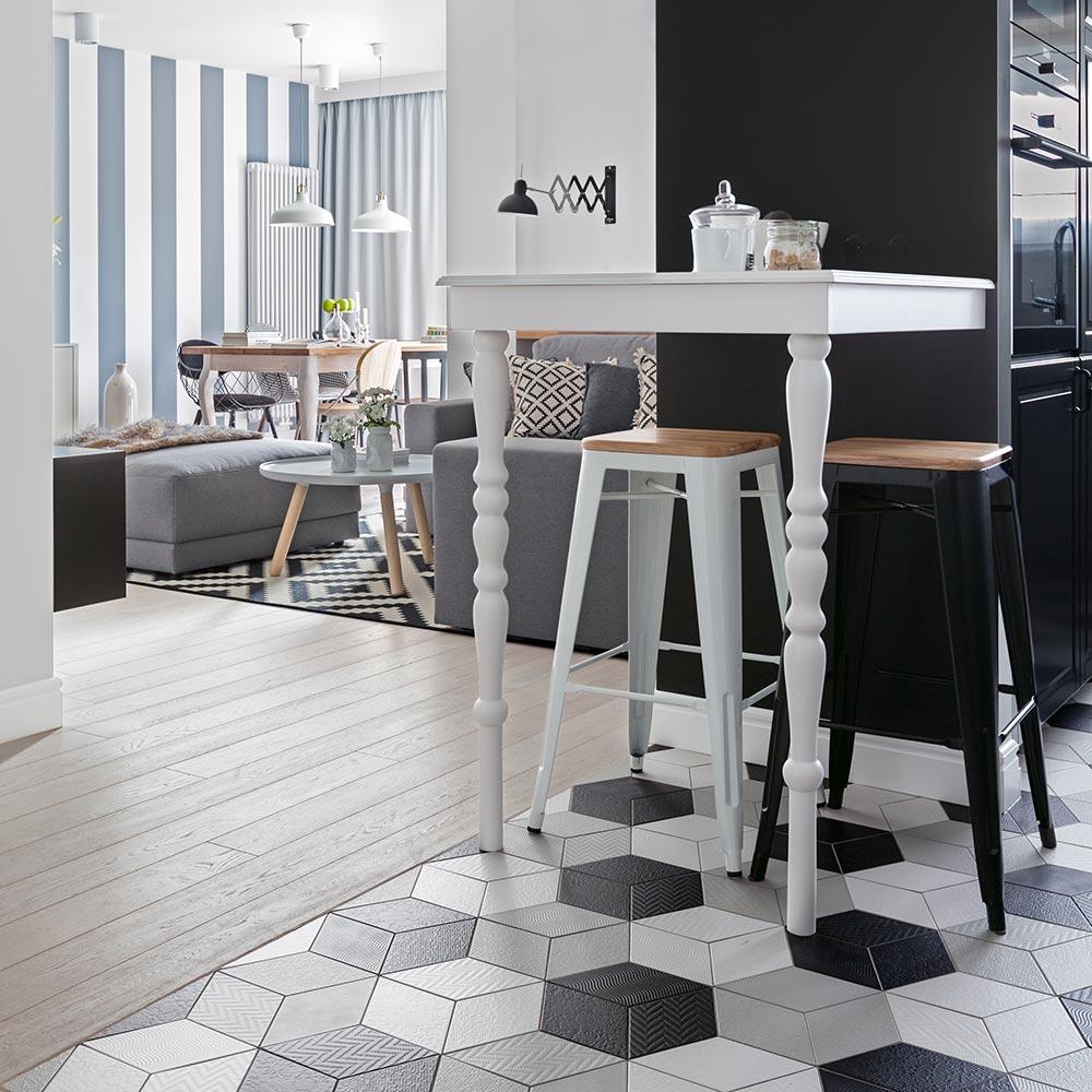 projekt stołu barowego w skandynawskim stylu